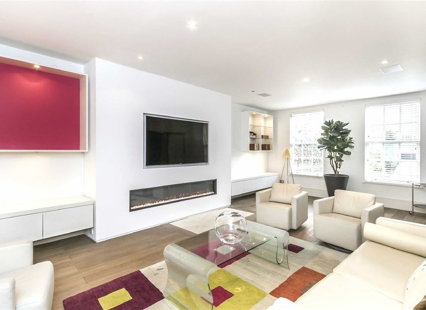 Properties for sale in Marlborough Place - NW8 0PT view3