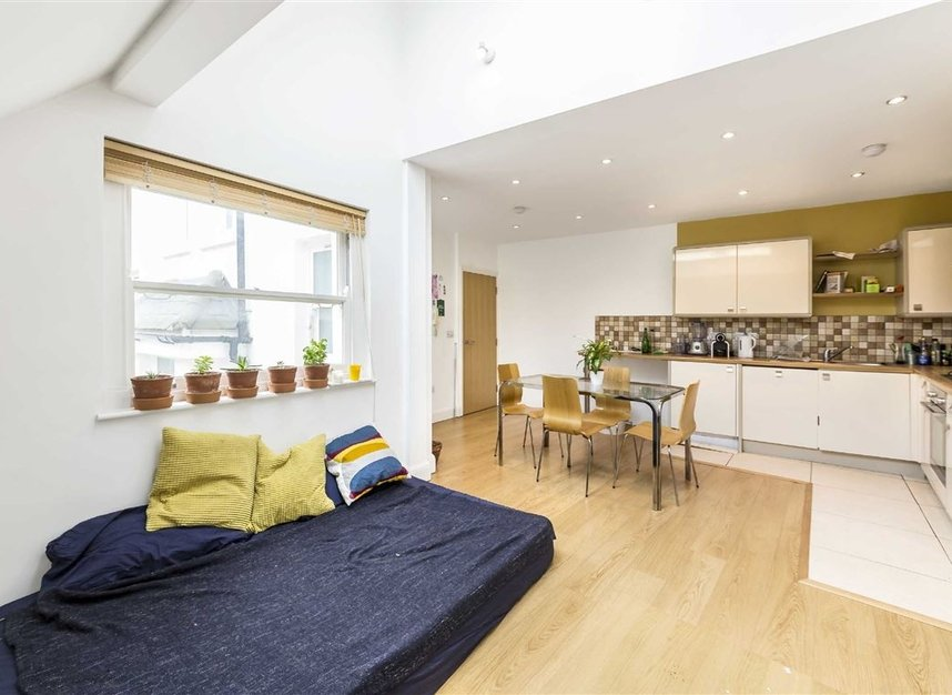 Properties for sale in Moray Mews - N7 7DY view3