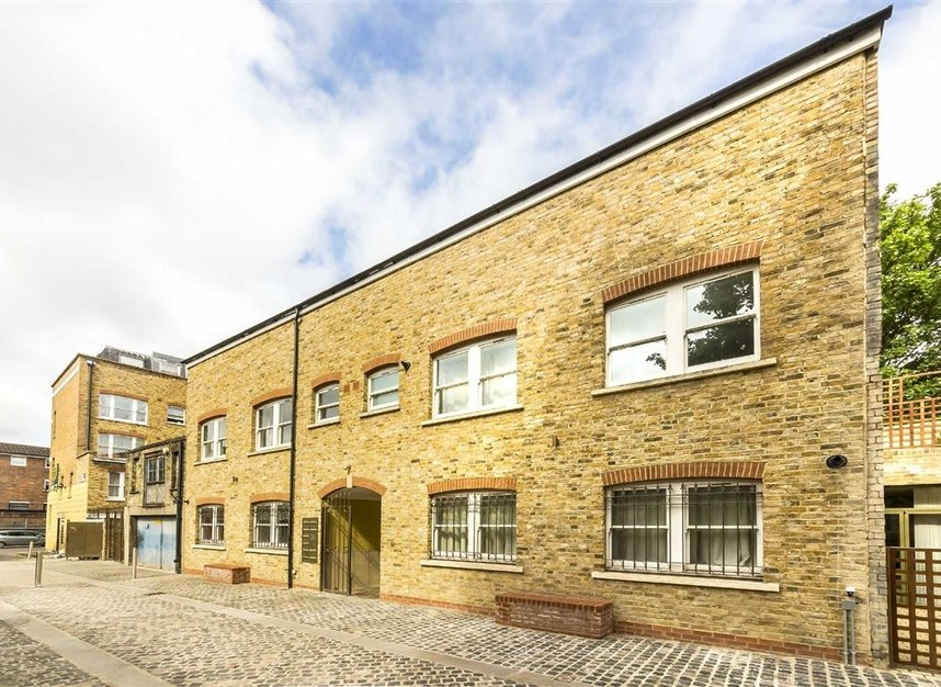 Properties for sale in Moray Mews - N7 7DY view1