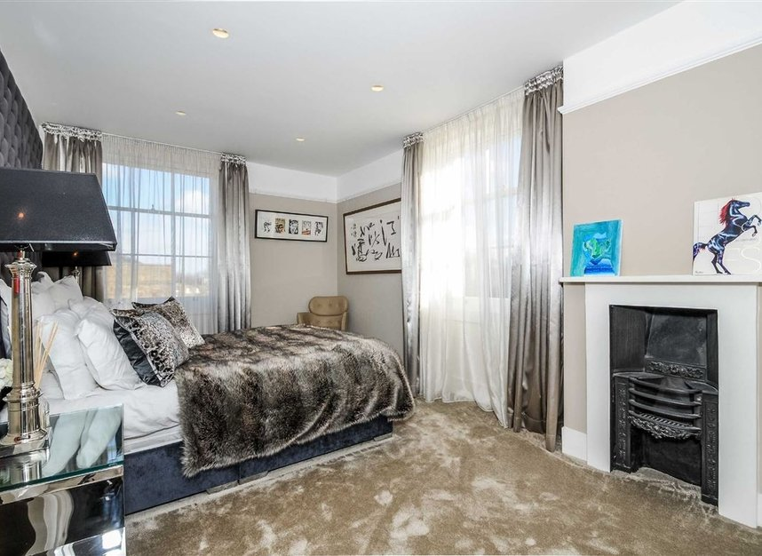Properties for sale in Myddelton Square - EC1R 1XX view7