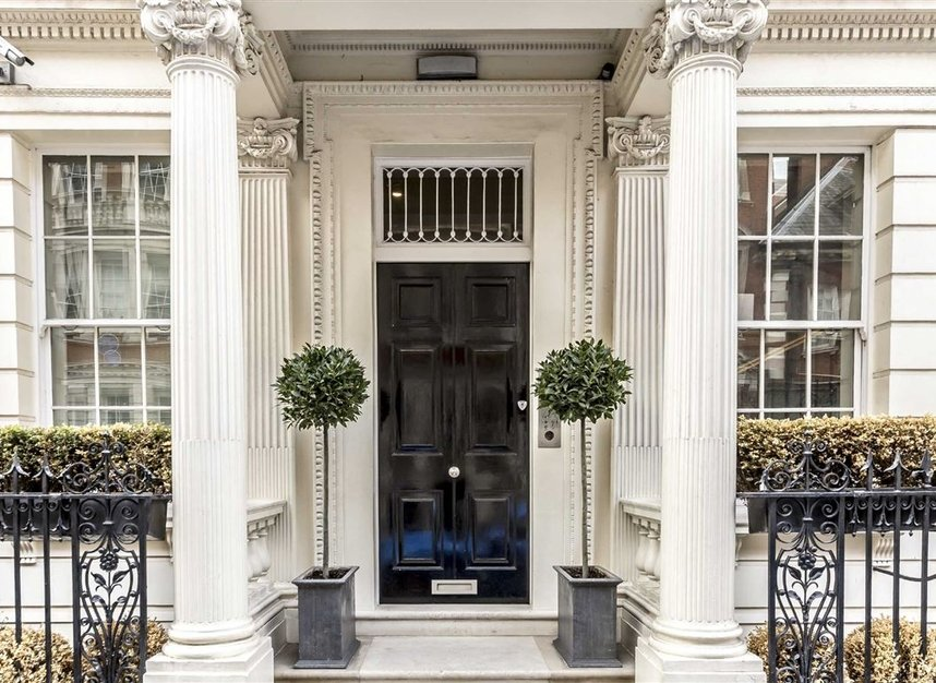 Properties for sale in Park Lane - W1K 7AD view8