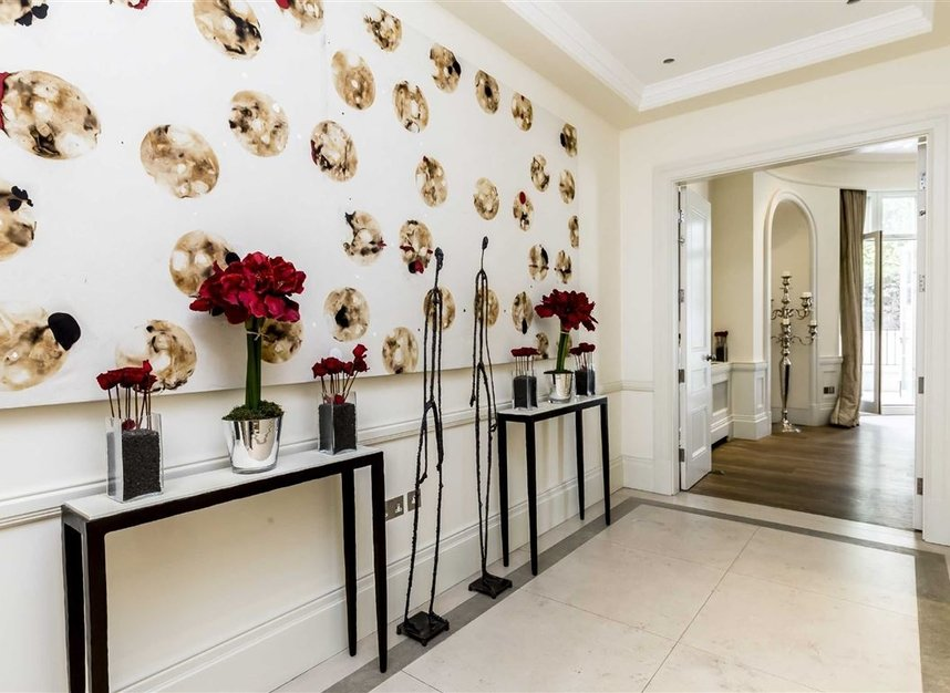 Properties for sale in Park Lane - W1K 7AD view3