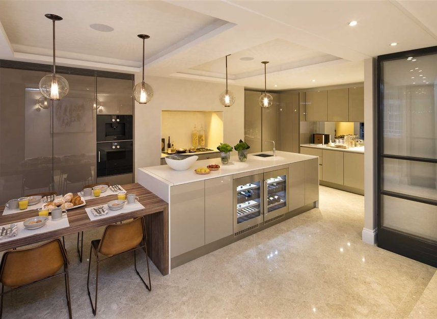 Properties for sale in Queen Annes Gate - SW1H 9AB view5