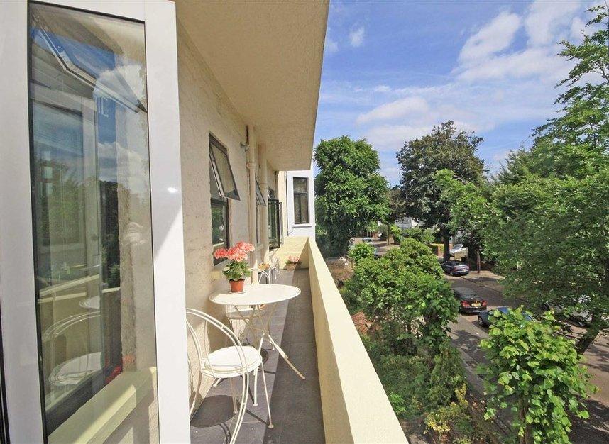 Properties to let in Arlington Road - TW1 2AU view6