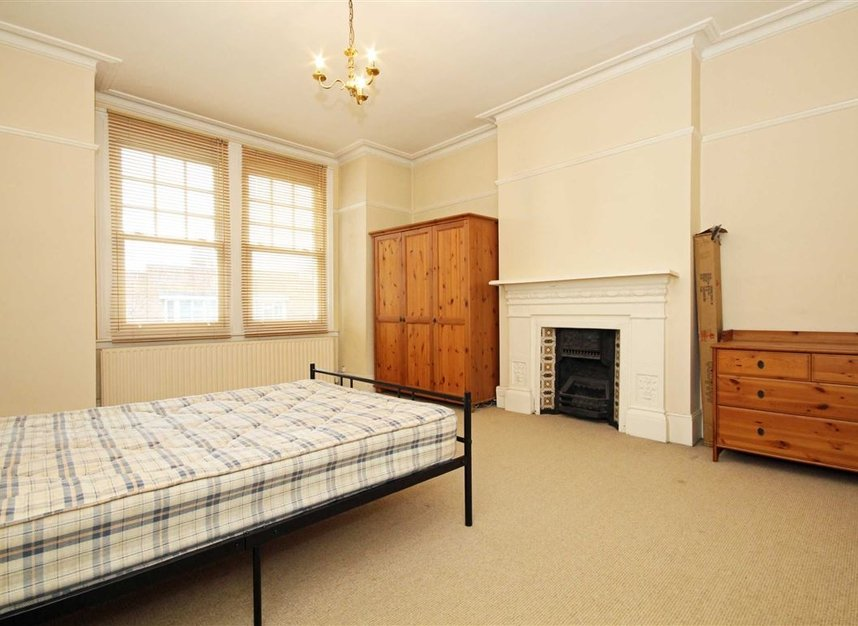 Properties to let in Fairlawn Avenue - W4 5EF view3