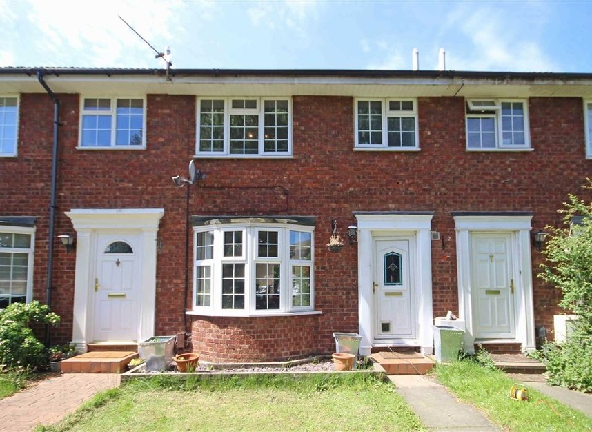 Properties to let in Fairlawns - TW16 6QR view1