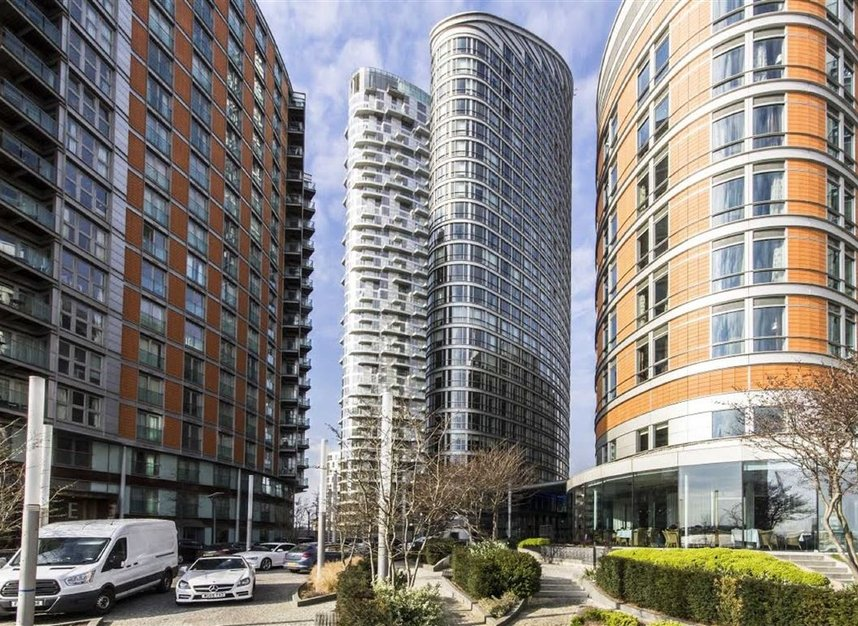 Properties to let in Fairmont Avenue - E14 9JB view1
