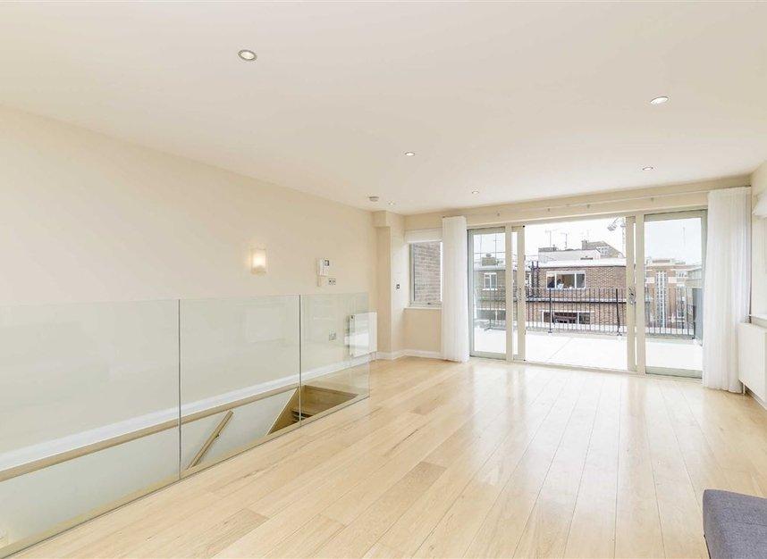 Properties to let in Great Portland Street - W1W 7JZ view1