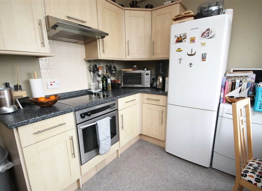 Properties to let in Hammersmith Road - W6 7JZ view3