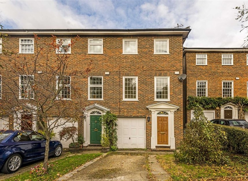 House To Rent In Heatherdale Close Kingston Upon Thames