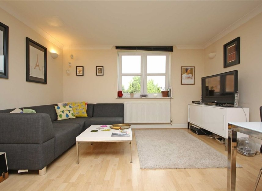 Properties to let in Keswick Road - SW15 2JL view2