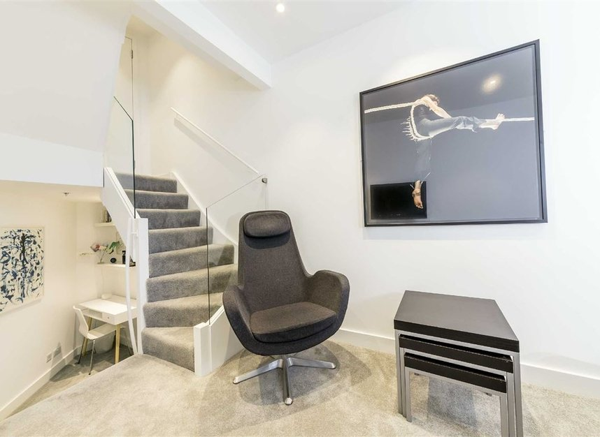 Properties to let in Laystall Street - EC1R 4PA view5