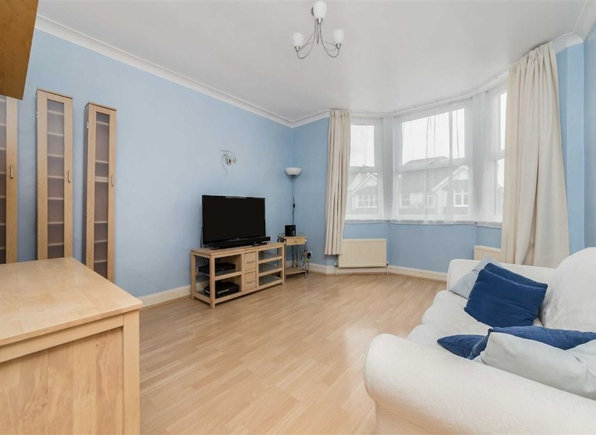 flat to rent in london road twickenham tw1 dexters