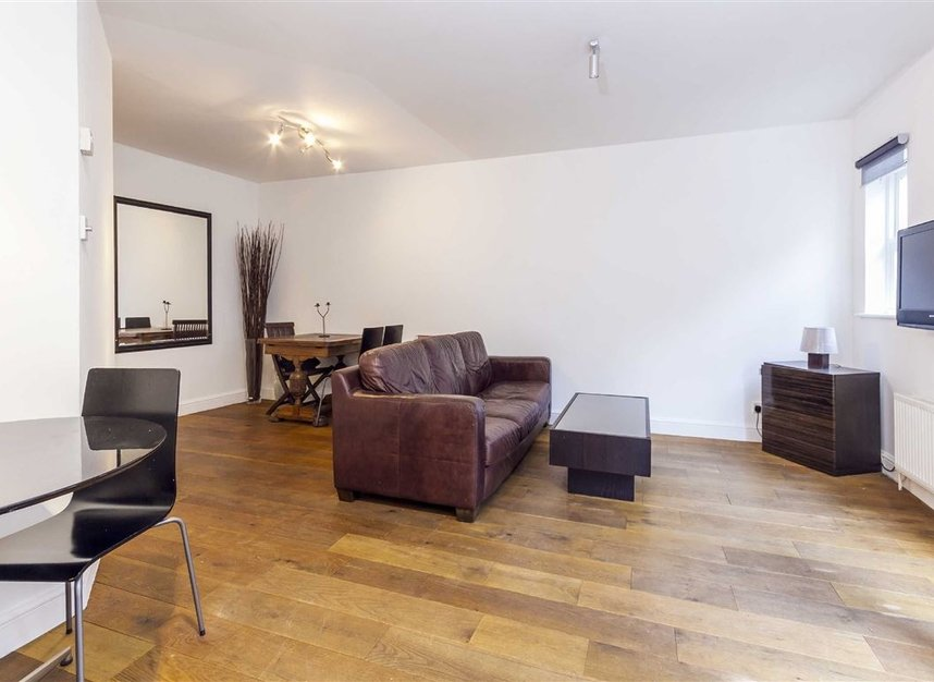 Properties to let in Malvern Mews - NW6 5PT view2