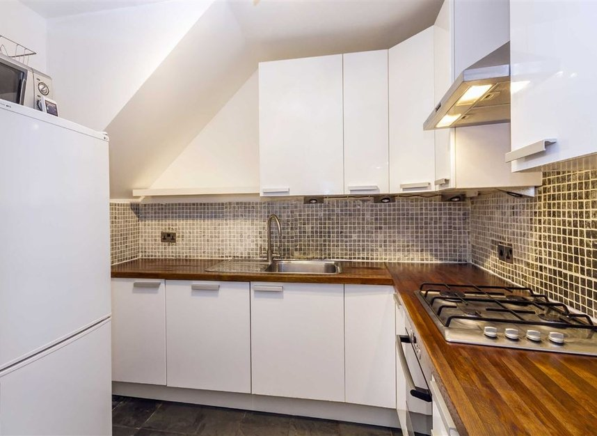 Properties to let in Malvern Mews - NW6 5PT view3