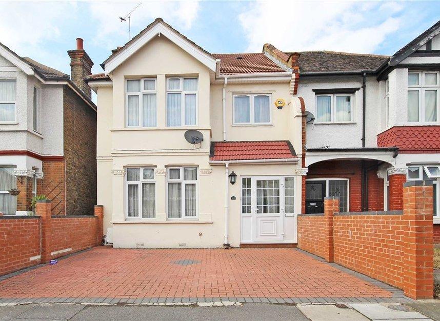 Properties to let in Noel Road - W3 0JE view1