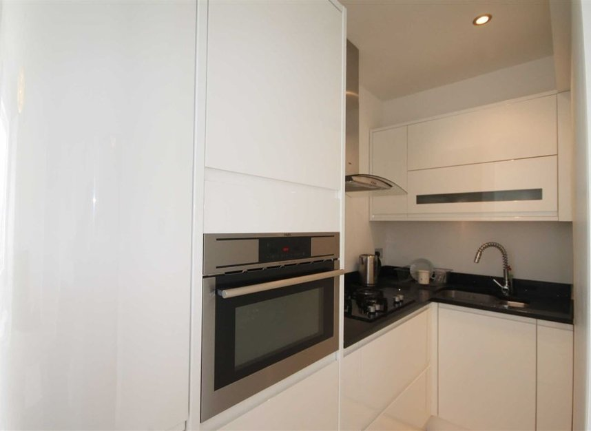 Flat to rent in queensborough terrace london w2 dexters for 72 queensborough terrace london