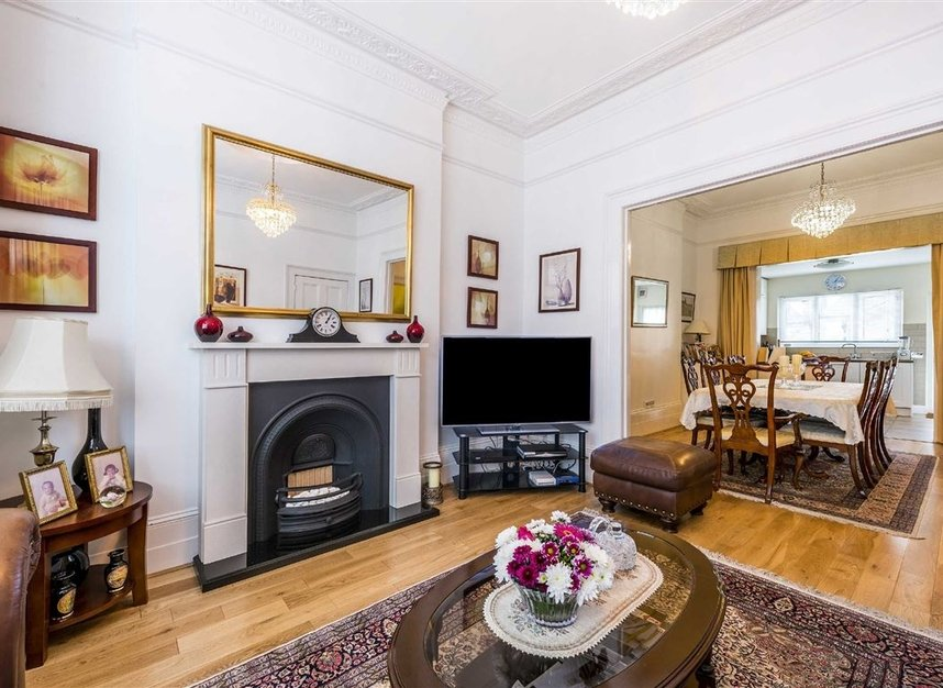 Property to rent in rosendale road london se21 dexters for 1 9 terrace road dulwich hill