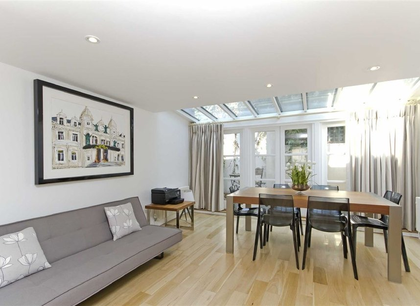 Properties to let in Skinner Place - SW1W 8HH view2