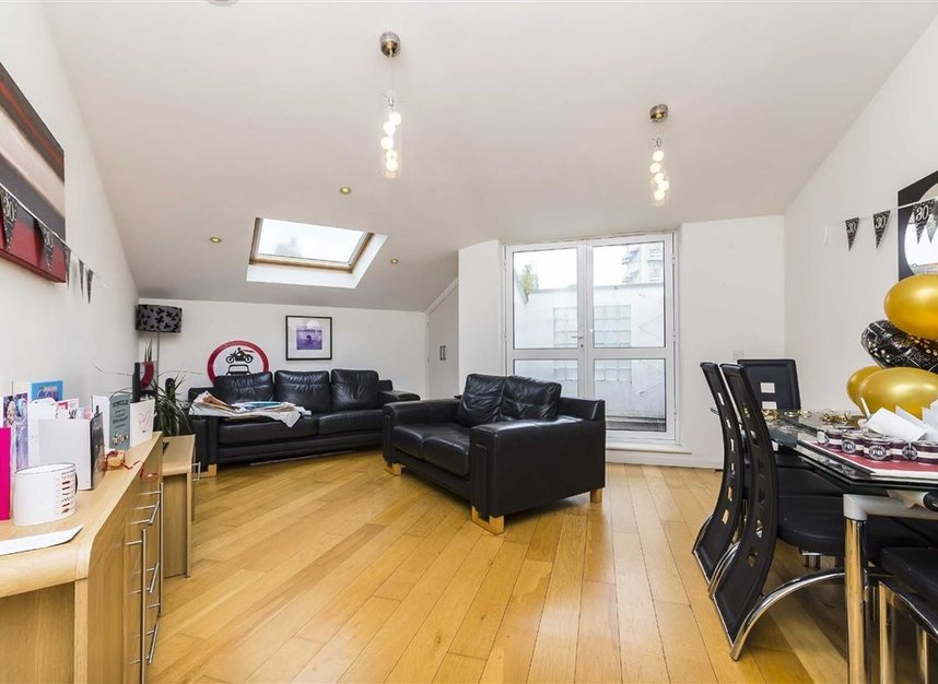 Properties to let in Tregothnan Road - SW9 9JX view3
