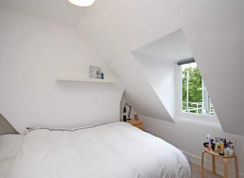 Properties to let in Waldegrave Road - TW11 8LL view4