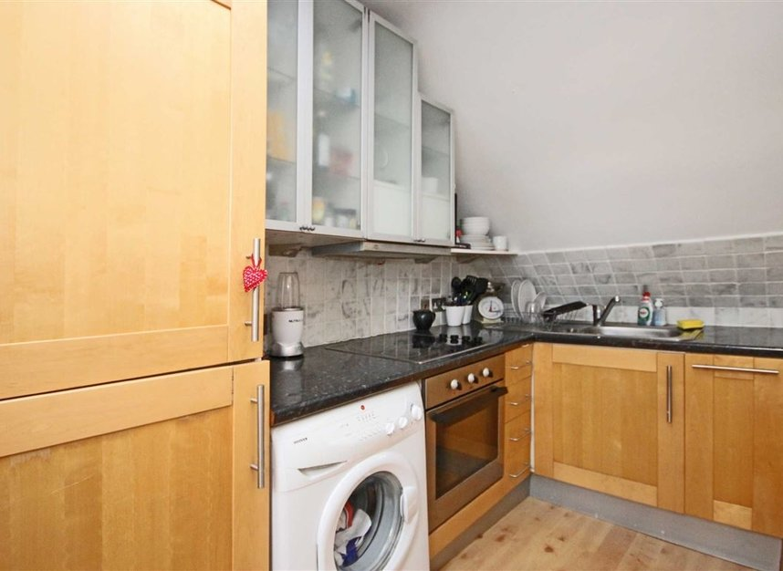 Properties to let in Waldegrave Road - TW11 8LL view3