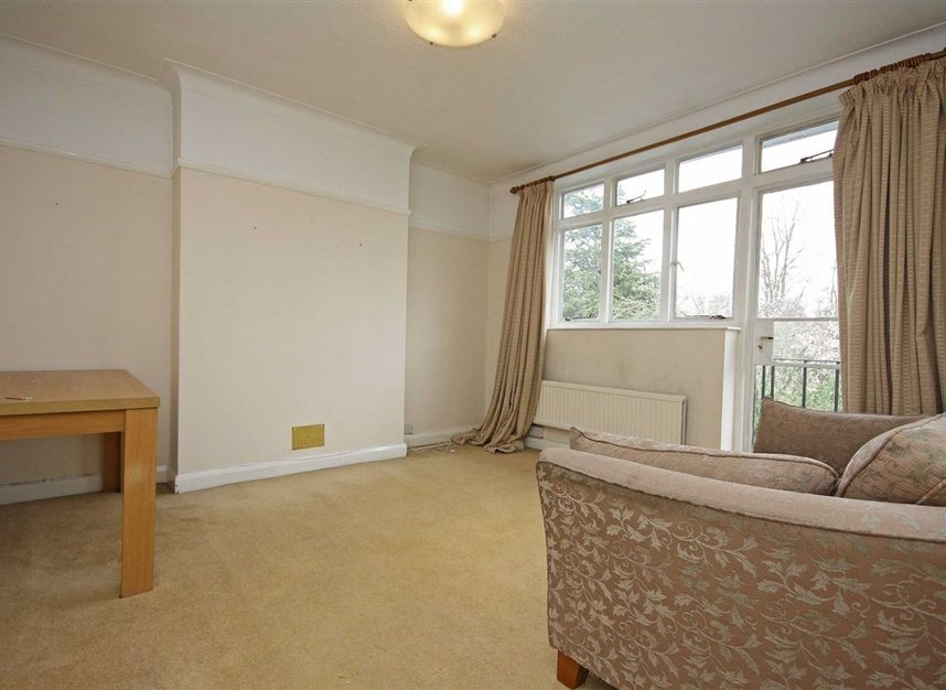 Properties to let in Wilton Grove - SW19 3QU view2