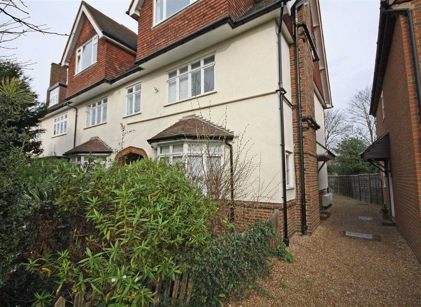 Properties to let in Wilton Grove - SW19 3QU view1