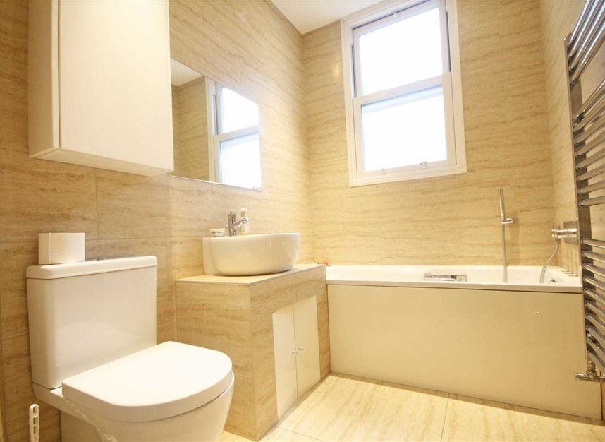 Properties to let in Woodgrange Avenue - W5 3NY view6