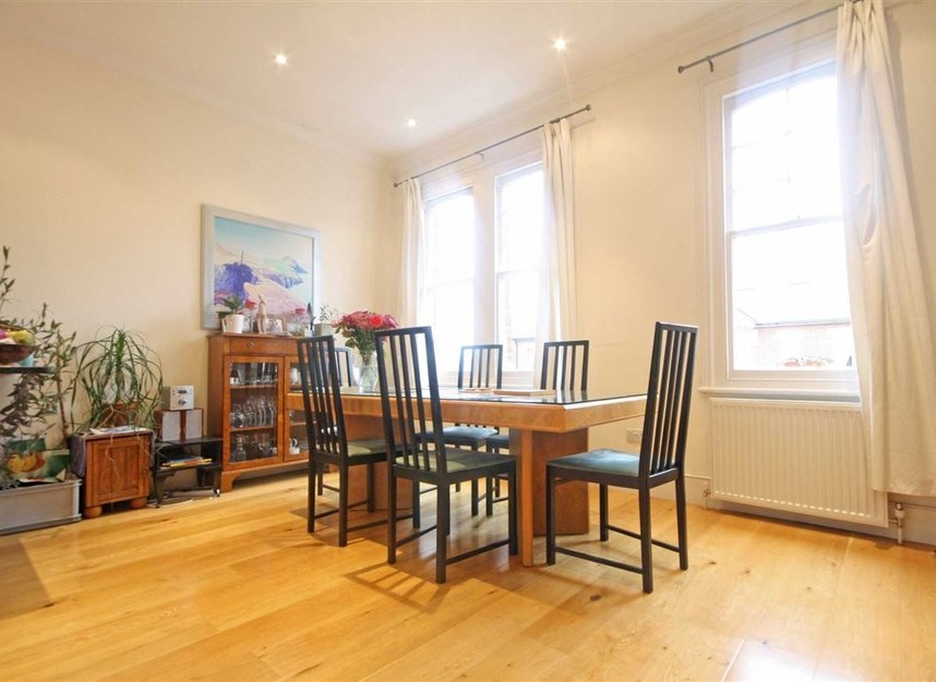 Properties to let in Woodgrange Avenue - W5 3NY view3
