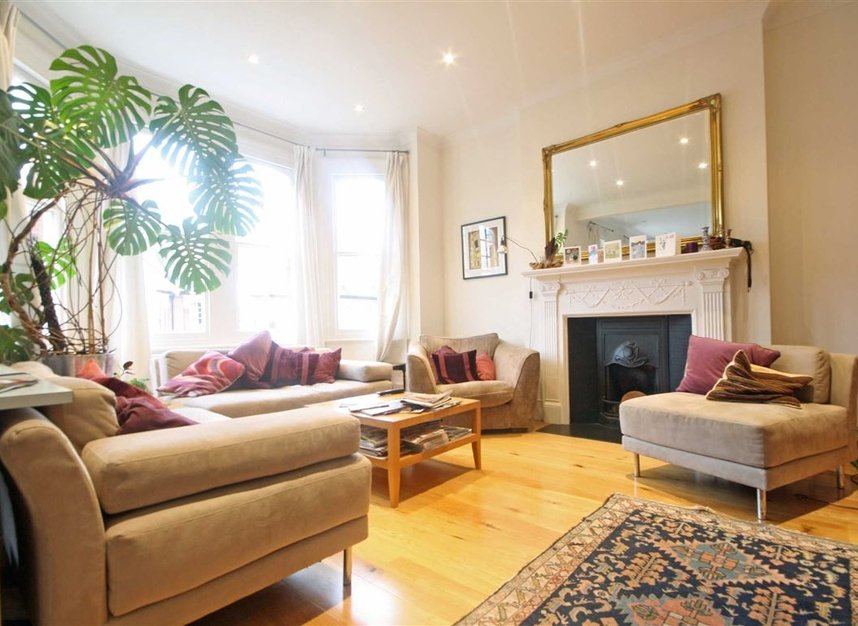 Properties to let in Woodgrange Avenue - W5 3NY view4