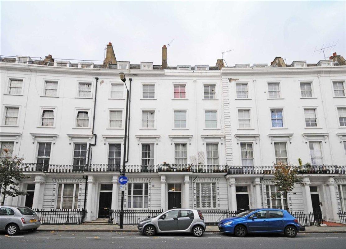 Flat for sale in gloucester terrace london w2 dexters for 18 leinster terrace london w2 3et