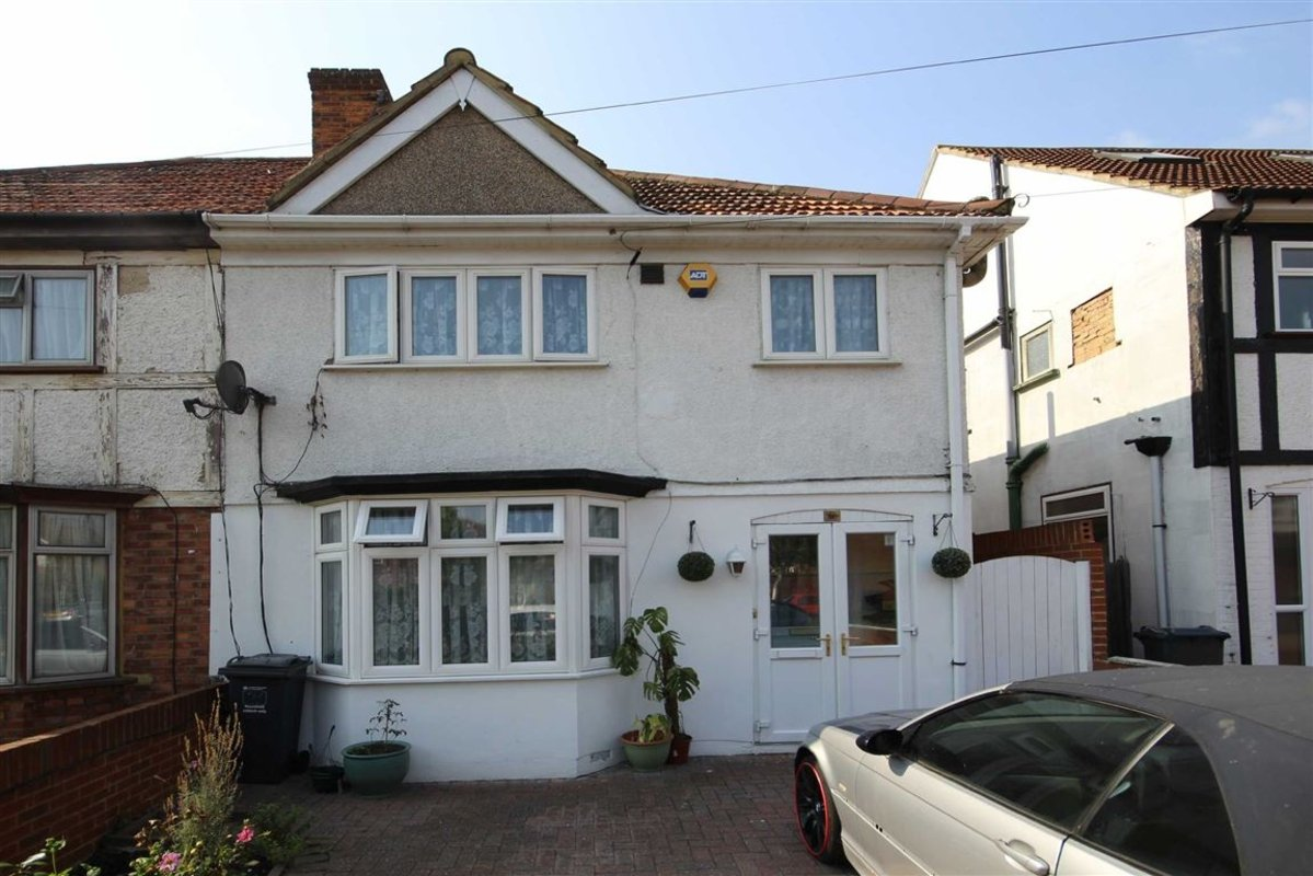 House For Sale In Gresham Road Hounslow Tw3 Dexters