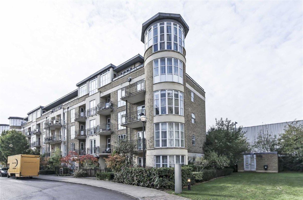 Flat For Sale In Melliss Avenue Kew Tw9 Dexters
