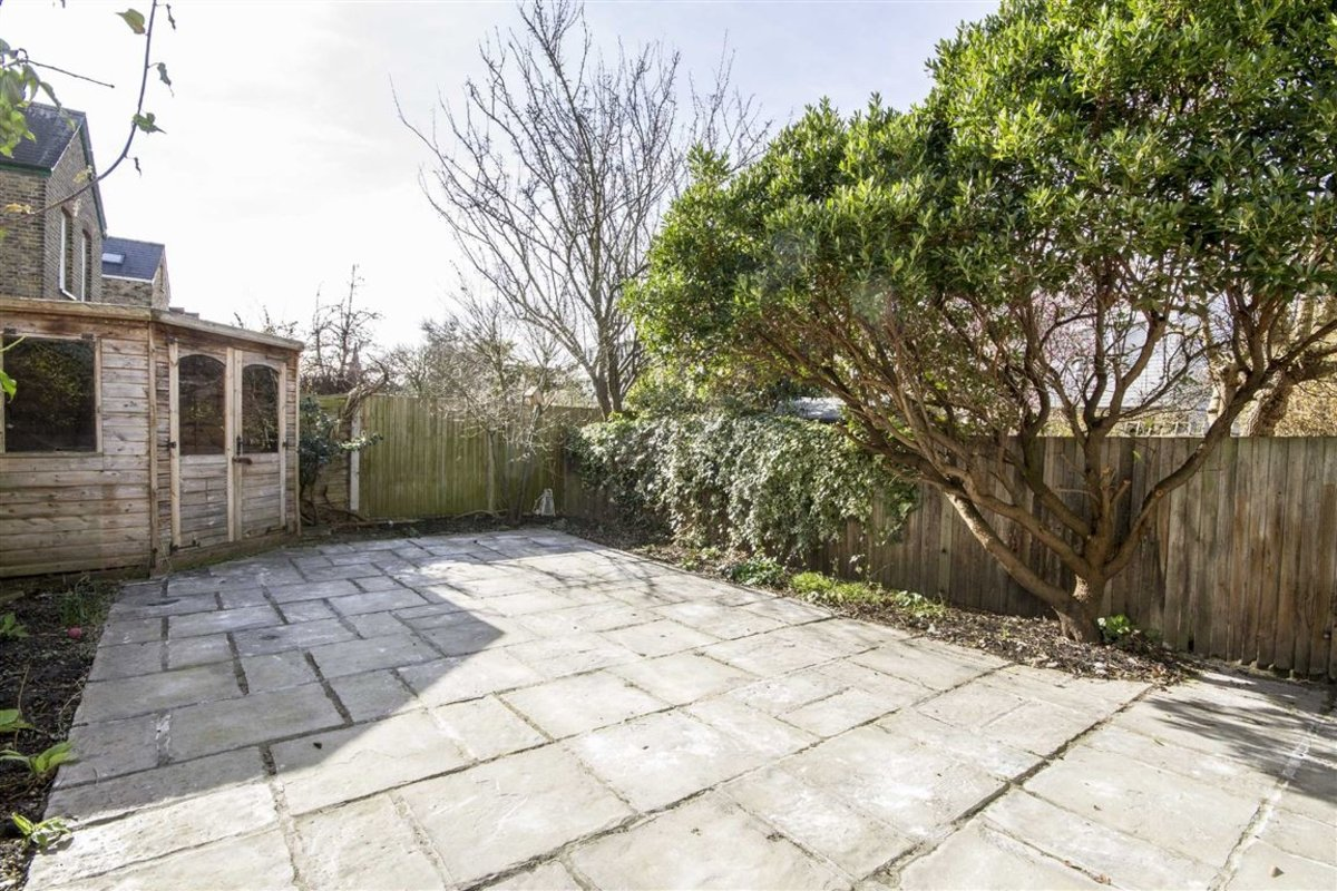 House For Sale In Park Farm Road Kingston Upon Thames