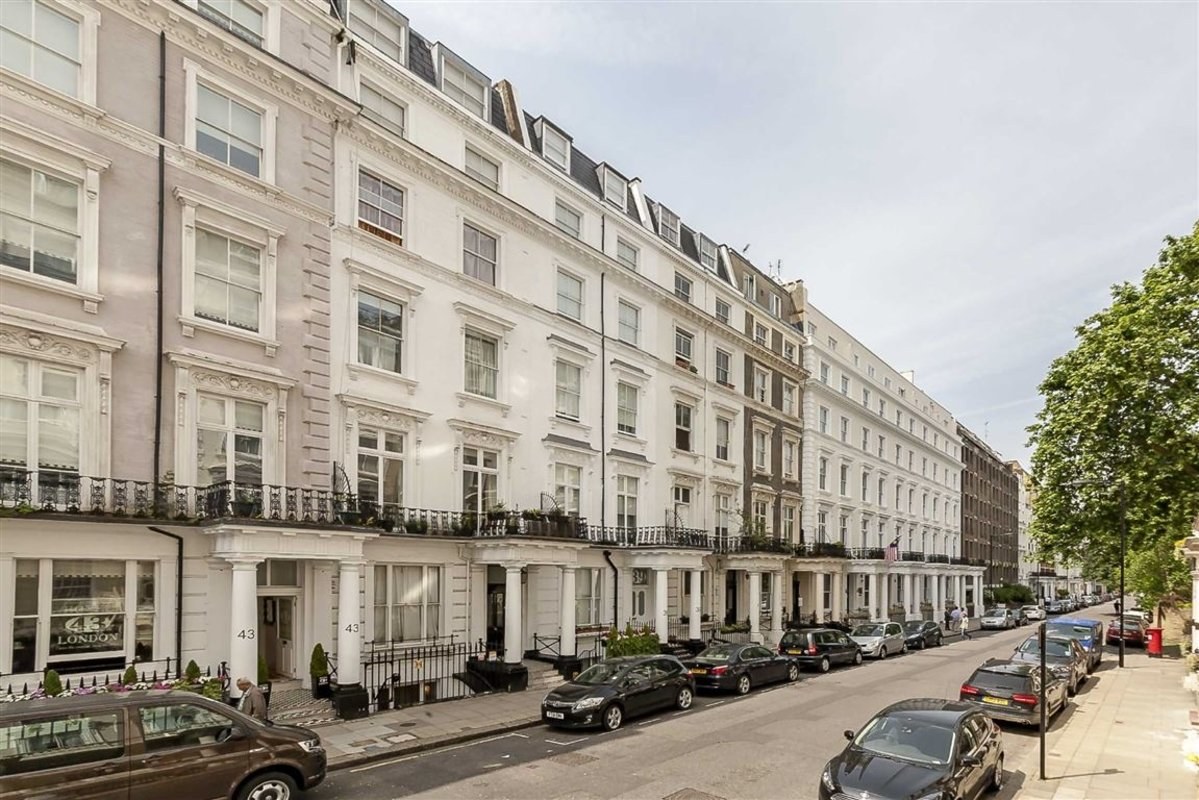 Flat for sale in queensborough terrace london w2 dexters for Queensborough terrace