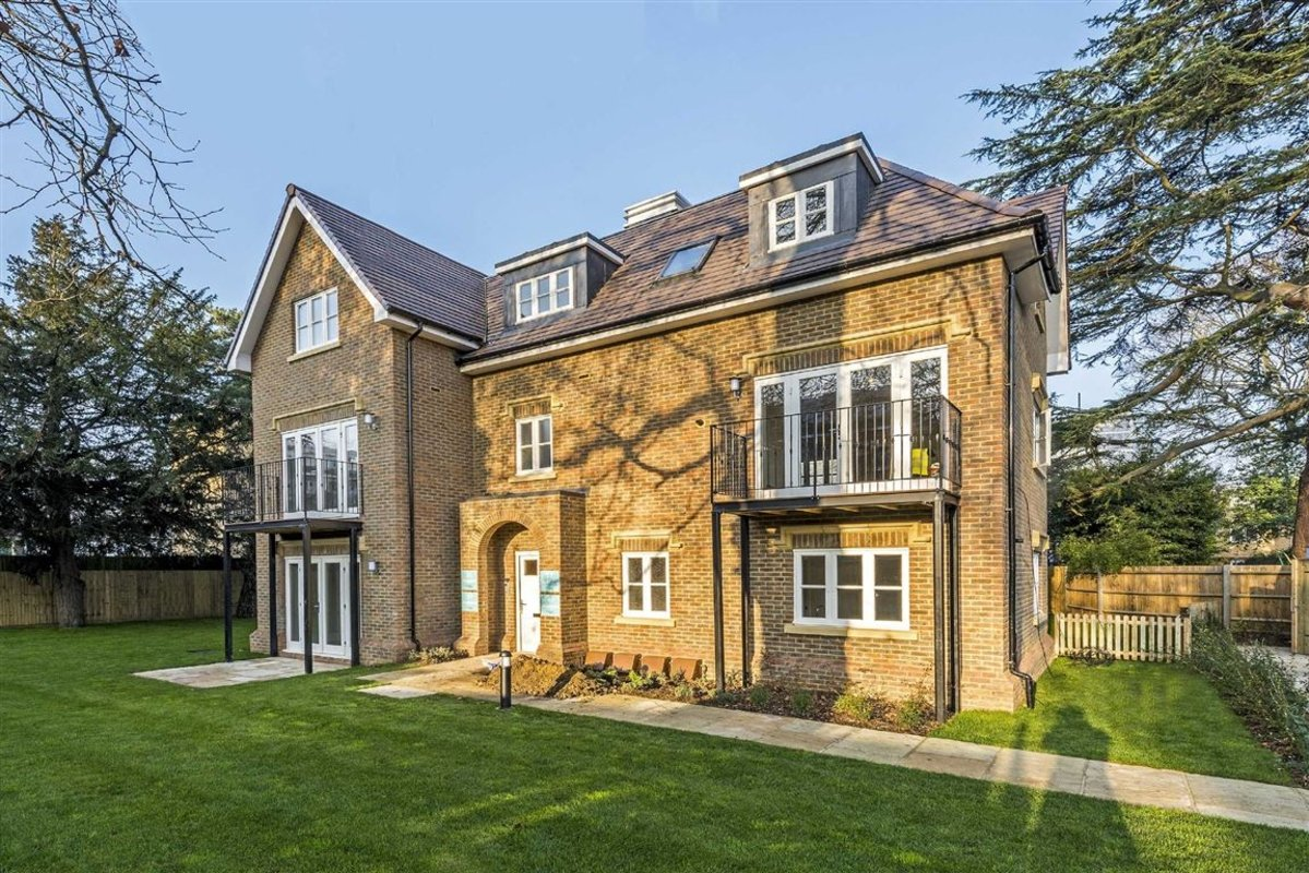 property for sale in the maples kingston upon thames kt1 dexters