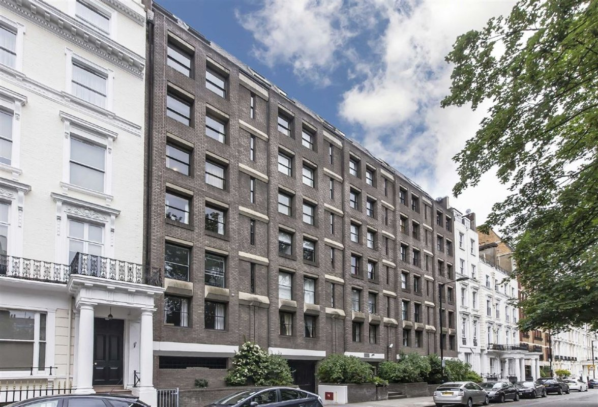 Flat to rent in queensborough terrace london w2 dexters for Queensborough terrace