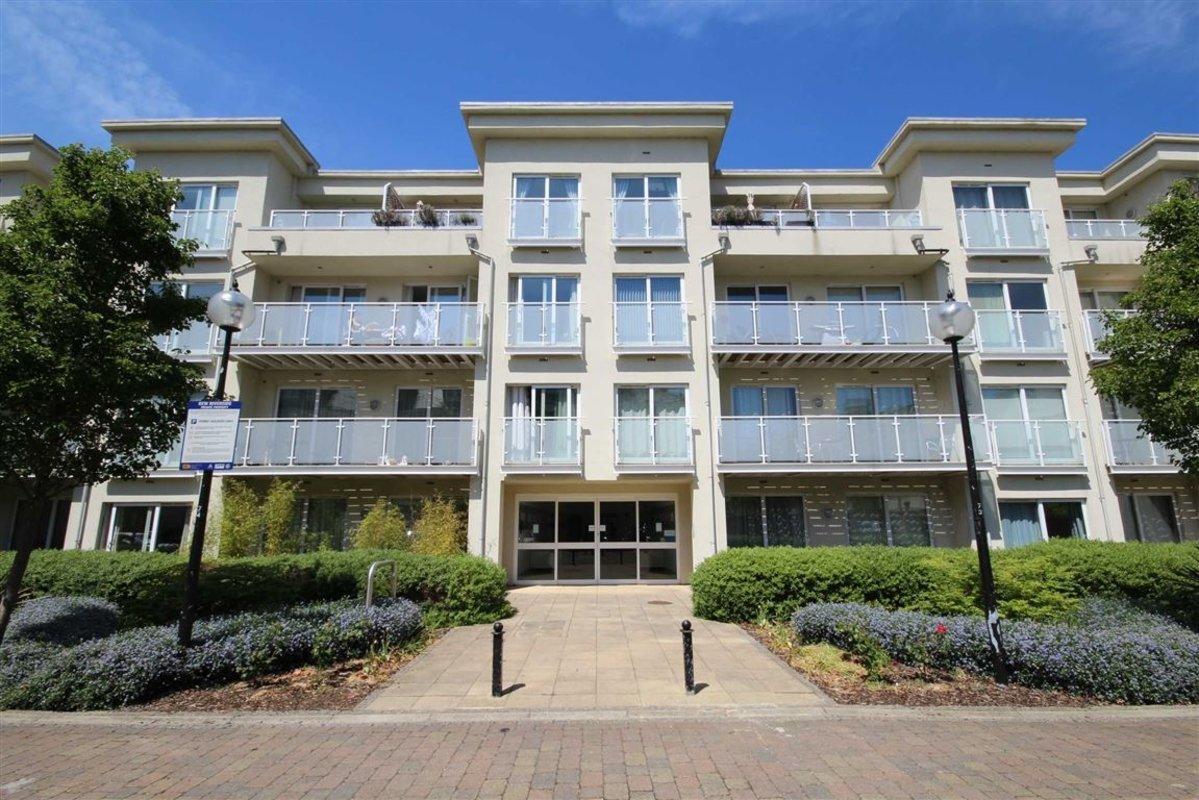 Flat To Rent In Woodman Mews Kew Tw9 Dexters